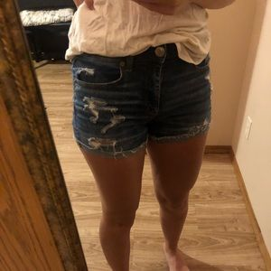 American Eagle distressed stretchy jean shorts
